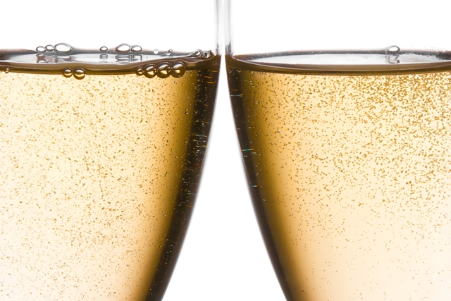 Sparkling wine sales hit record high