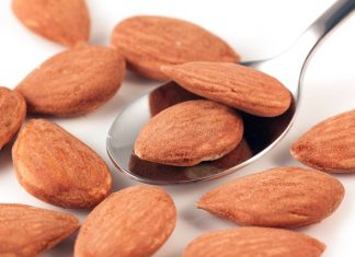 Almonds beat cashews to superfoods top spot