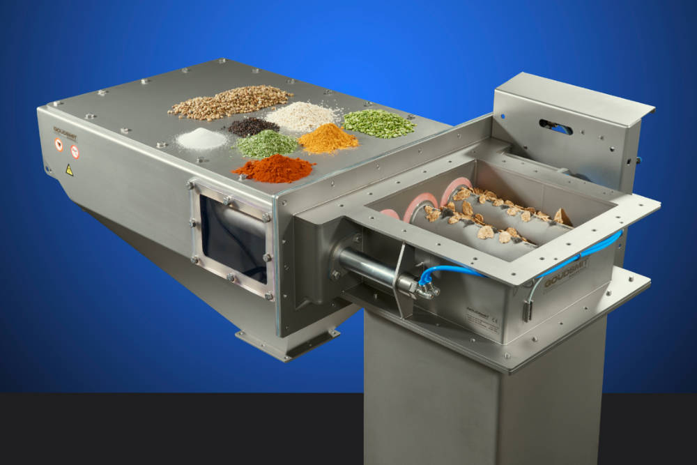 Magnetic separator for large product flows