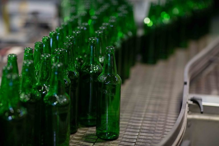 Molson Coors trials low-carbon glass beer bottles