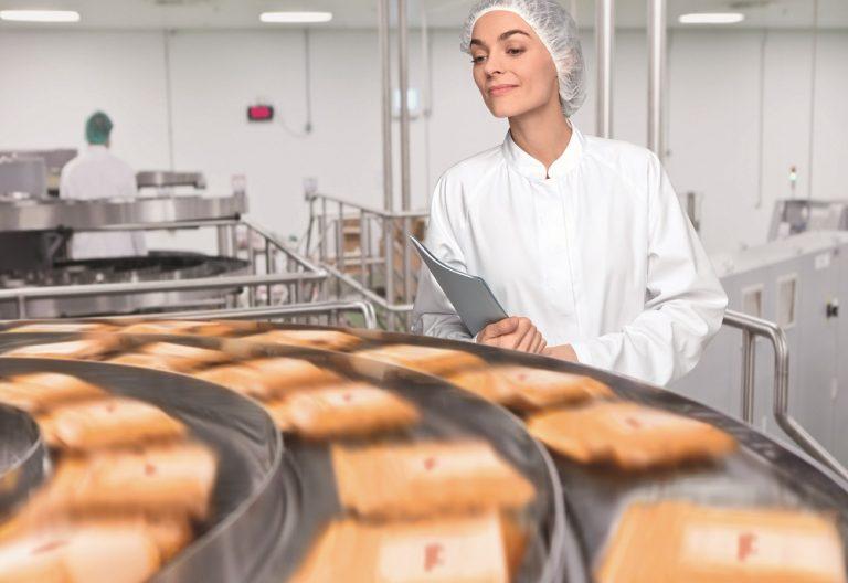 Food manufacturing workwear & laundry services company, Elis UK, announces net zero carbon emissions target